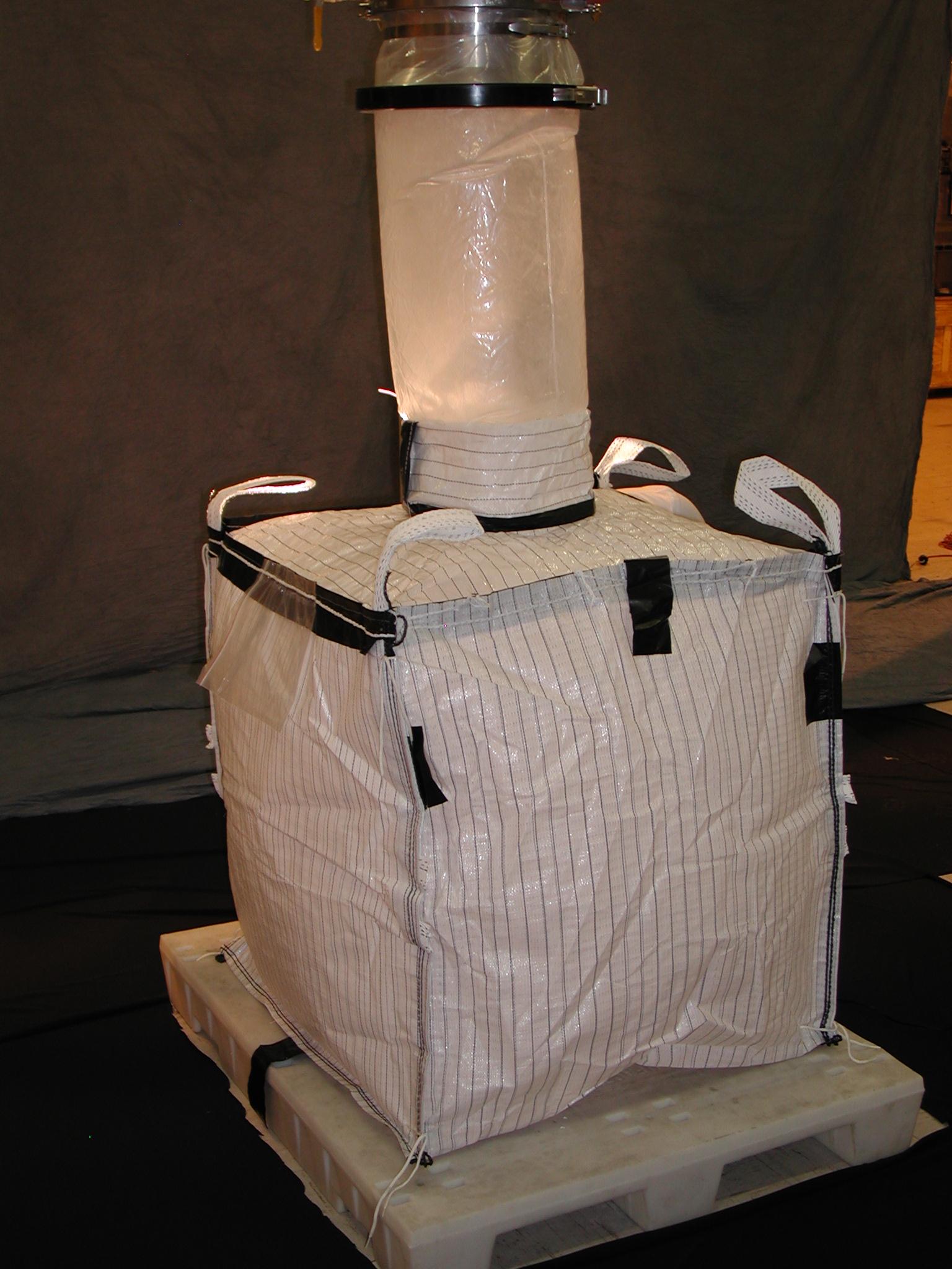 Гибкая упаковка для выгрузки порошка в FIBC's