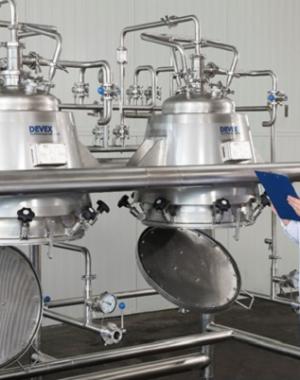 Экспериментальная экстракционная установка для натуральных ингредиентов